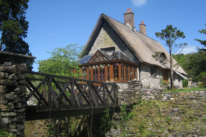 Irish Thatched Cottage | Cork Thatched Cottage | Elegant Tours | Elegant  Irish Tours Ireland | Luxury holidays Ireland | vacations to ireland