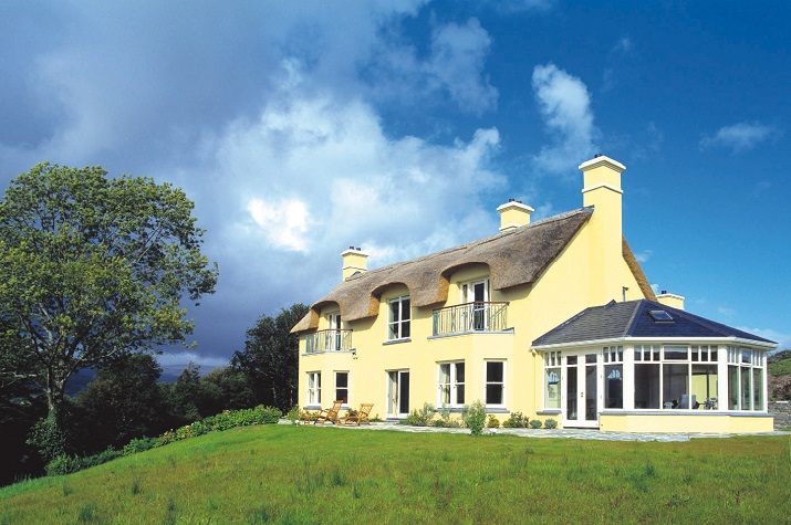 Luxury Thatched Cottage Kerry, holiday cottages, cottage holidays, irish cottage, Luxury accommodations, Irish Vacations,  Elegant Tours, Elegant Irish Tours
